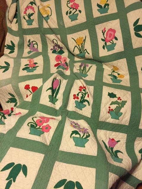 flower-quilt-vintage